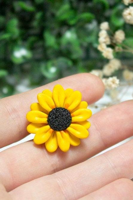 Sunflower pin, handmade polymer clay brooch, jacket pin, flower, unique gift, gift for her, made in Australia