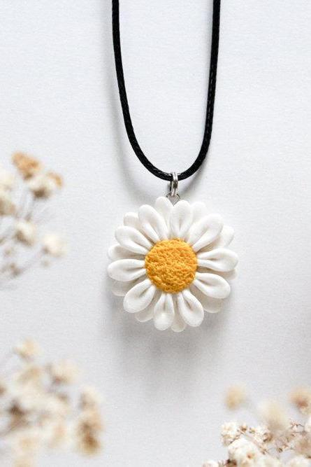 Handmade Daisy Pendant, Polymer Clay Daisy Necklace, Gift for her, Made in Australia, Bridesmaids gift